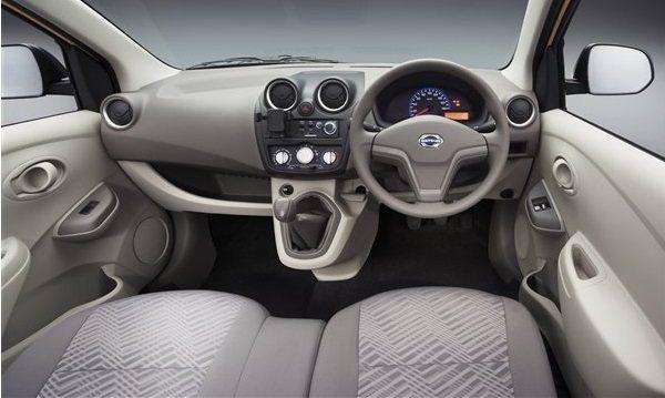datsun-go-cross-interior