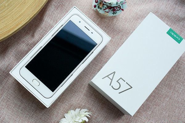Resmi Diluncurkan, Oppo A57 Andalkan Kamera Depan 16MP 1