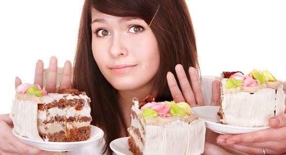 Hindarkan 4 Asupan Makanan Ini Untuk Luputkan Masalah Kulit Berminyak 1