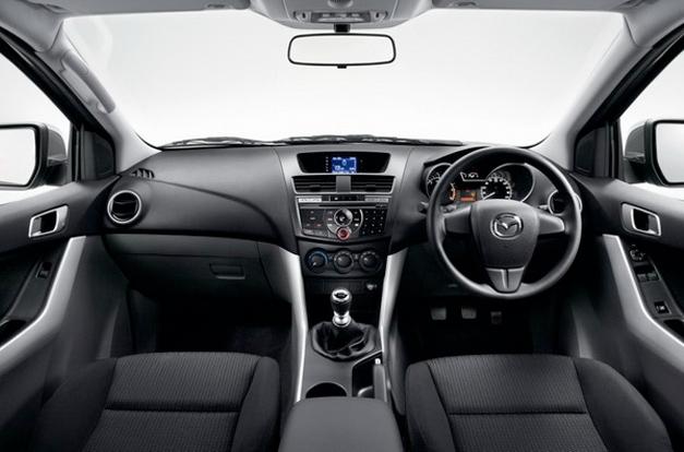 interior-mazda-bt-50-pro