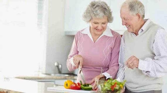 Photo of Inilah 5 Nutrisi Penting Untuk Sehatkan Tubuh di Usia Tua
