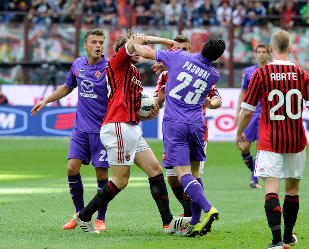 Photo of Rossoneri Berambisi Taklukan La Viola Di San Siro