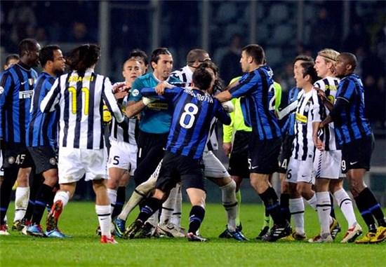 Photo of Statistik Tunjukkan Bianconeri Bukanlah Tim Yang Selalu Diuntungkan Wasit