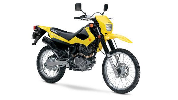 Photo of Resmi Mengaspal, Inilah Spesifikasi dan Harga Suzuki DR200S