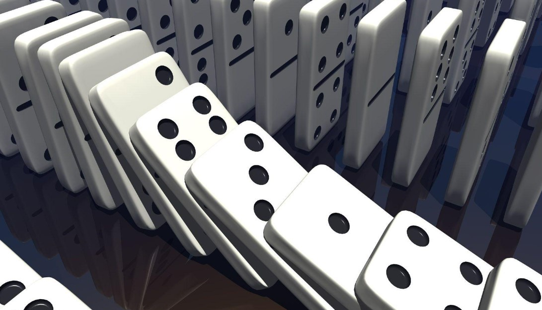 Trik Mengocok Kartu Domino