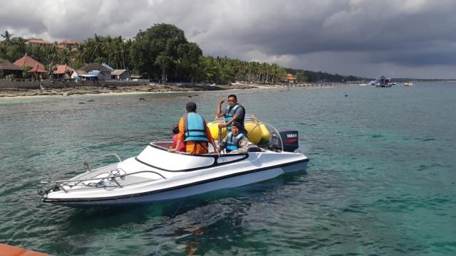 Tim SAR menyisir area Nusa Penida Untuk melakukan Pencarian Korban